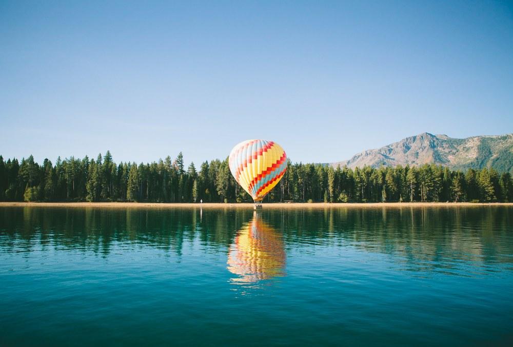 Ballon over water